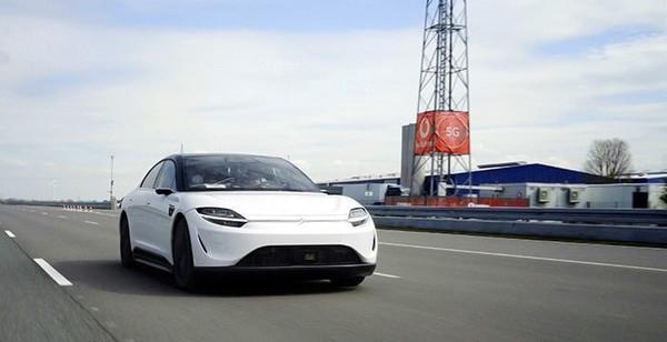 索尼和沃达丰联手测试5G环境驾驶车代号VISION-S